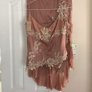 Mandalay rose color size 10 2 piece outfit NWT